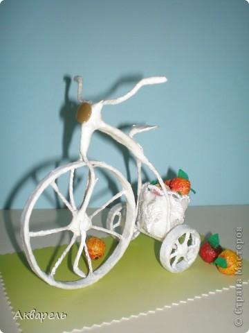 """Ретро-велосипедик. На этот транспорт вдохновением послужил """"Цветочный велосипед"""" в профиле Frutela и ее МК. Конечно же я сделала все по своему, ведь одинаковых нет. И как всегда я не смогла обойтись без всего что прилагается велосипеду. Седло, педали - садись и езжай. А прототипом формы велосипеда послужил .....(см. внизу) . Не думала что делаю по нему, наверное в памяти где то образ отложился.  фото 5"""