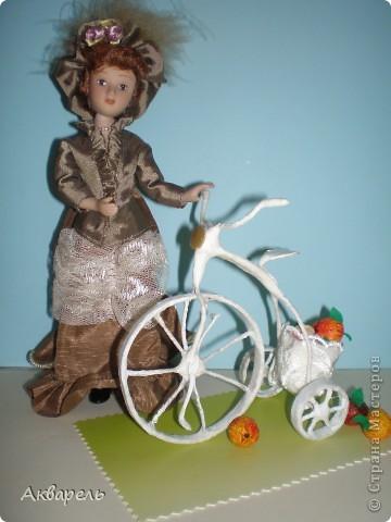 """Ретро-велосипедик. На этот транспорт вдохновением послужил """"Цветочный велосипед"""" в профиле Frutela и ее МК. Конечно же я сделала все по своему, ведь одинаковых нет. И как всегда я не смогла обойтись без всего что прилагается велосипеду. Седло, педали - садись и езжай. А прототипом формы велосипеда послужил .....(см. внизу) . Не думала что делаю по нему, наверное в памяти где то образ отложился.  фото 4"""