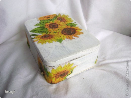 как же я люблю эти солнечные цветы! и они нравятся не только мне,но и маме))) поэтому этот приборчик переселился на дачную кухню родителей фото 6