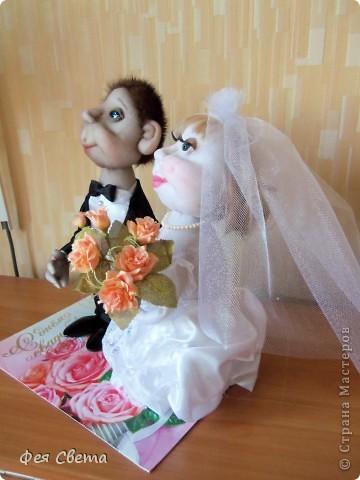 Свадебный заказ. Куклы на бутылочках, приклеены к открытке для удобства, ведь они неразлучники! фото 3