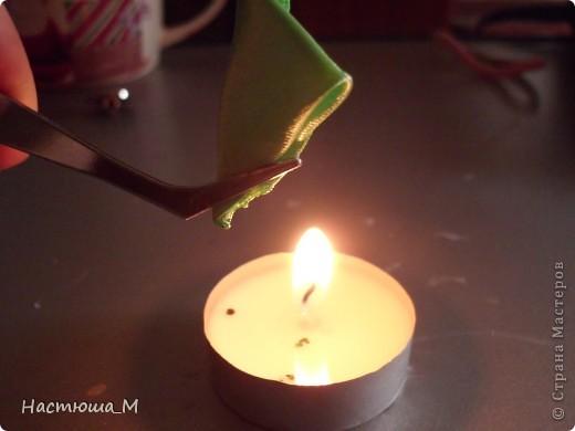 Сегодня я покажу вам как сделать такой лепесток.Я придумала его сама не судите строго!))) фото 9
