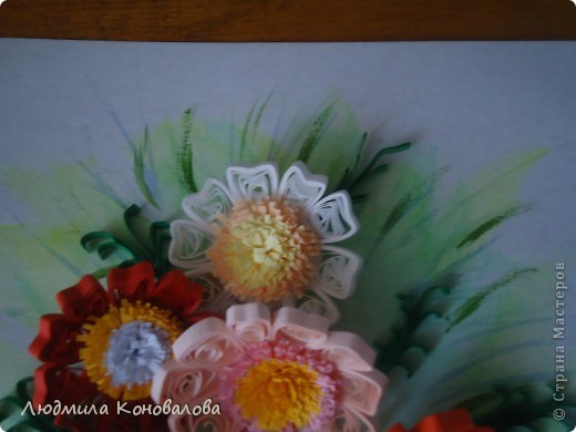 Здравствуйте дорогие мастерицы!!!!!!!!!!! Насмотревшись на красивые цветочки в СМ, решила попробовать сотворить что то похожее. Но как получилось судить Вам!!! фото 2