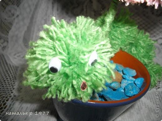 Цветочек с гусеничкой фото 2