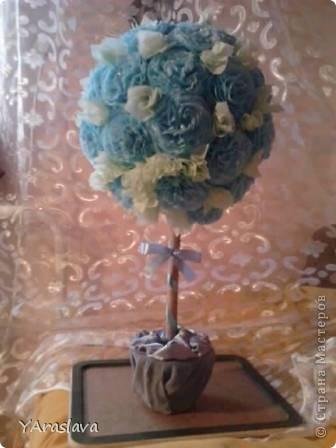голубое деревце=)).... очень нравятся пушистые цветочки ( в цветочки я вклеила бусинки... правда на фото это не очень заметно=( ) фото 1