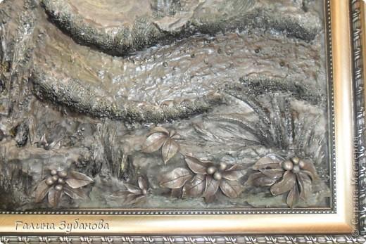 Девочки, со страхом и трепетом представляю свою первую работу в технике Терра. Очень понривились работы  Валентины http://stranamasterov.ru/node/367615, что у меня зудели руки и я попробовала сделать в этой технике картину, благо был заказ для мужчины на день рождения. Использовала шпаклевку строительную, как основу, кору дерева, сухие травы и цветы. Добавила из ХФ листья, траву. фото 4