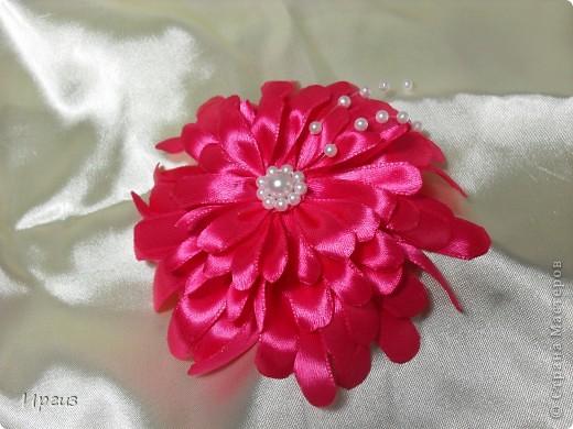 Увидела в интернете фото подобного цветка и просто зачесались руки. Получилось не совсем то что нужно, но следующий будет лучше, потому как уже точно знаю как делать. Это пробный вариант. фото 4
