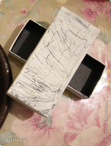 Доброго времени суток Вам! Решила показать декупаж и кракелюр на примере этой чёрной коробочки.. Вернее она была чёрной до того как... фото 4