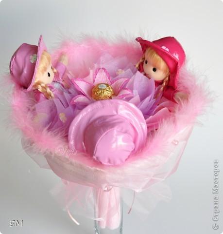 Всем здравствуйте! Решила показать вам очередную серию букетов из игрушек... Приятного просмотра) Куклы... фото 1