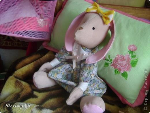 Шить новых кукол некогда,вот решила свои старые игрушки показать. Это ещё один вариант Женькиной жужи.В продаже их небыло,но уж очень хотелось. фото 3