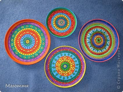 Я вам еще не надоела своей Мексикой?....Тогда обновка))) Я вам прошлый раз http://stranamasterov.ru/node/399917  говорила, что муж забраковал пластинки, которыми я планировала изображать тарелки, и купил подносы. Вот я их начала расписывать.... фото 8