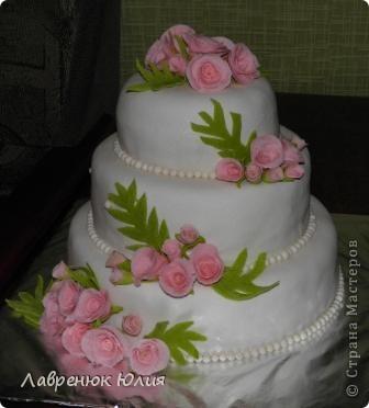 Доброго времени суток всем) Это мой первый свадебный тортик) фото 1