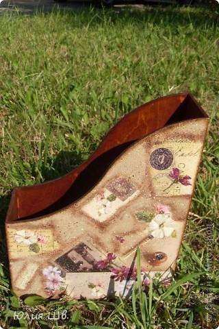 Деревянная заготовка из Икеи, декупажния карта, битум, набрызги, лак. Прошу прощенья за не очень четкие фото, не дружу с фотоаппаратом. фото 1