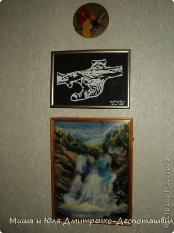 Такой магнитик на холодильник я сделала из миниатюрного кусочка пенопласта. Благо задолго до этого кто то из Вас, друзья, подарил мне очаровательную салфеточку с украинскими мотивами.  фото 3
