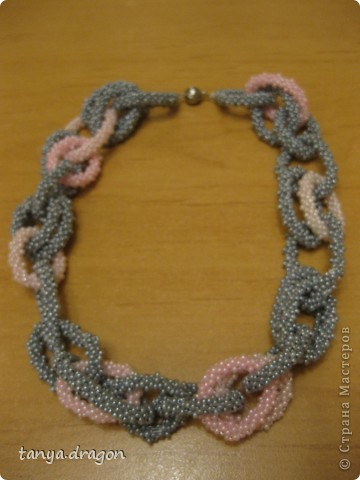 Розово-серое колье фото 1