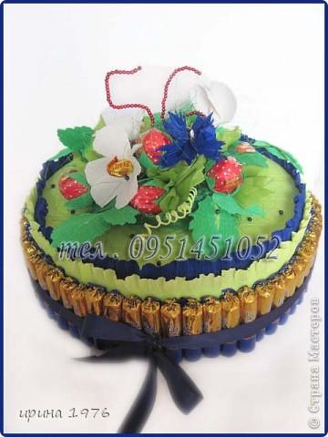 Торт делала на день рождение женщине - 56 лет. Получился большеват (не расчитала малость.) Идеей, как всегда, поделились девочки на Осинках., за что им огромнейшее спасибо. фото 1