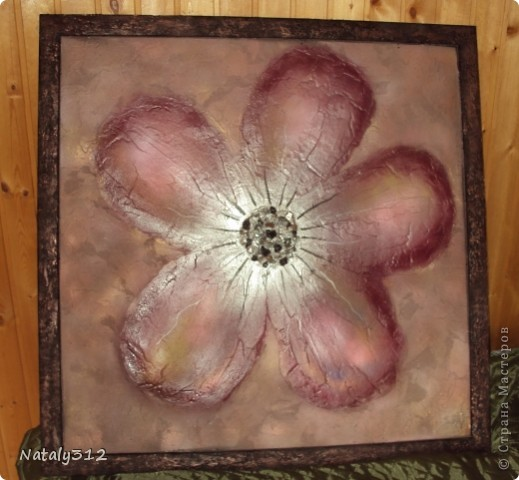 Помимо ткани, сетки и перьев использовался кофе. фото 4