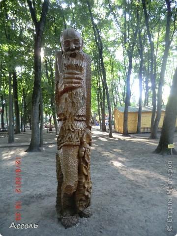 Сегодня мы всей нашей небольшой семьей выходили погулять в наш любимый парк Толстого. Предлагаю и Вам побродить по нашей местной городской достопримечательности))) фото 27