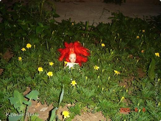 Вечером наши куклы решили прогуляться во дворе. Вылезли из окна - ... фото 2