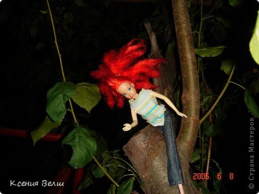 Вечером наши куклы решили прогуляться во дворе. Вылезли из окна - ... фото 5