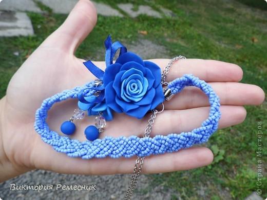 в синем цвете фото 1