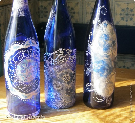 В детстве , как многие девочки,  любила собирать разноцветные осколки стекла. Помню, в коробочке стекляшки разных  оттенков зеленого, коричневого цвета. И самые редкие стекляшки - синего и красного, ну не выпускались тогда бутылки такого цвета. Зато сейчас у меня их три штуки!!! фото 3