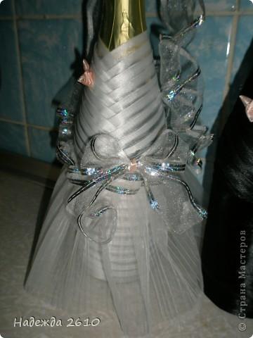 Всем доброго времени суток!Собираясь к сестре на свадьбу, вспомнила, что могу сделать оригинальный подарок, точнее дополнение к подарку... Вот, что у меня получилось... фото 2