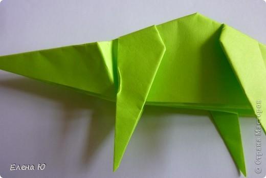 Камптозавр - оригами фото 28