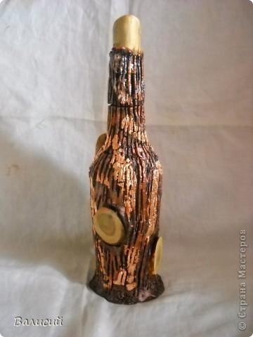 Прибежал сегодня человек, вот нужна ему бутылка и всё. Ну в запасе было, что-то из тех, которые под дерево оформлял.  Подумал, оформил по-новому, на ваш суд. фото 2