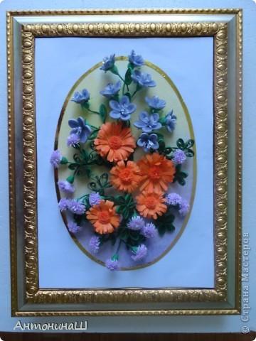 Здравствуйте, дорогие мастера и мастерицы, жители Страны Мастеров!!!! Вряд ли я вас удивлю. потому что у меня опять цветы.  Хочется как можно больше оставить себе летних красок. Зимой они будут напоминать нам о замечательных летних денечках.  Вот такая незатейливая картинка у меня сложилась из всеми любимых колокольчиков ( по МК Ларисы Засадной), из ярких, солнечных ноготков и сиреневых пушистиков. фото 5