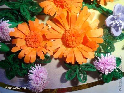 Здравствуйте, дорогие мастера и мастерицы, жители Страны Мастеров!!!! Вряд ли я вас удивлю. потому что у меня опять цветы.  Хочется как можно больше оставить себе летних красок. Зимой они будут напоминать нам о замечательных летних денечках.  Вот такая незатейливая картинка у меня сложилась из всеми любимых колокольчиков ( по МК Ларисы Засадной), из ярких, солнечных ноготков и сиреневых пушистиков. фото 4