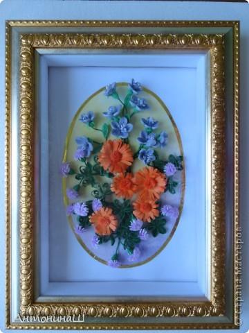 Здравствуйте, дорогие мастера и мастерицы, жители Страны Мастеров!!!! Вряд ли я вас удивлю. потому что у меня опять цветы.  Хочется как можно больше оставить себе летних красок. Зимой они будут напоминать нам о замечательных летних денечках.  Вот такая незатейливая картинка у меня сложилась из всеми любимых колокольчиков ( по МК Ларисы Засадной), из ярких, солнечных ноготков и сиреневых пушистиков. фото 6