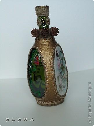 На этой бутылочке я экспериментировала. Первый  декупаж, первый яичный кракелюр, первый точечный декор. фото 9