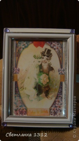 Сделала на свадьбу подруги фужеры, но решила ещё и шкатулку-коробку к ним оформить. фото 3