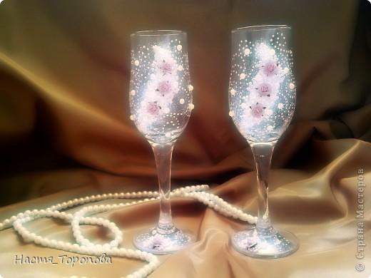 Представляю мои первые свадебные бокалы, делала на свадьбу подруги. Напишите, пожалуйста всю правду, выдержу самую жесткую критику)))) фото 1