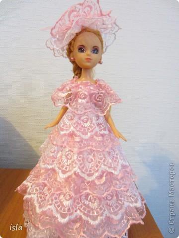 """Всем привет! Это опять я со своей очередной куклой. Вот такая у меня """"родилась"""" на этот раз куколка-шкатулка. Получилась она вся такая розовенькая, в рушечках-кружавчиках... Мне она напоминает бело-розовый зефир. фото 1"""