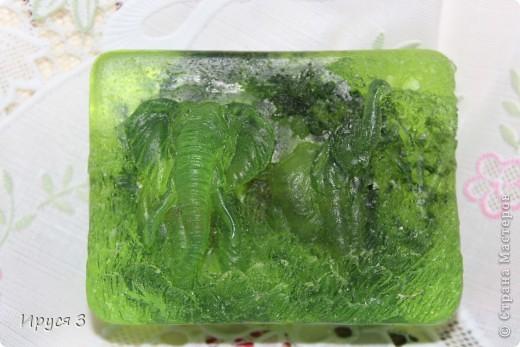 Мыльце сварила из основы , добавила хлопковое масло и ментол -))) фото 5