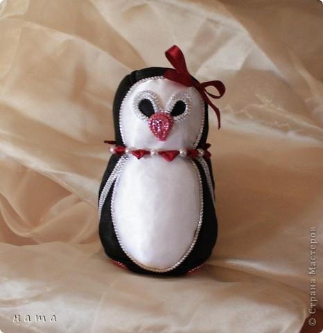 Полюбуйтесь на нас!  Вот такая смастерилась-родилась  Девочка - Пингвиночка, очаровательная кокетка и модница...   фото 10
