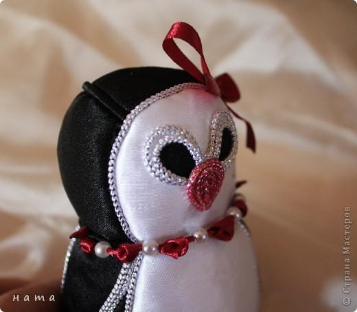 Полюбуйтесь на нас!  Вот такая смастерилась-родилась  Девочка - Пингвиночка, очаровательная кокетка и модница...   фото 2
