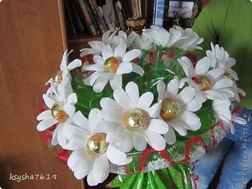 букет на деньрождение для женщины, которая очень любит ромашки. фото 2