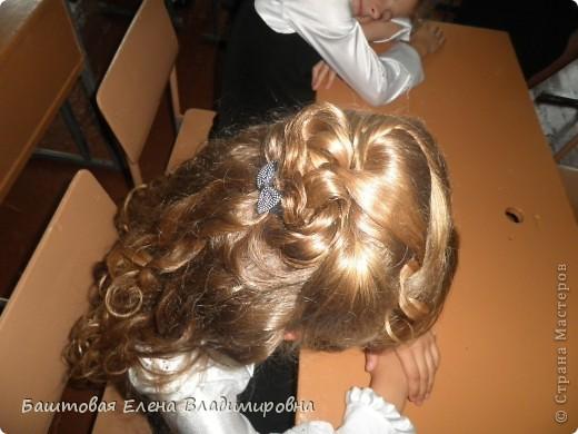 Это моя старшая доця.На выпускной в 4-ом классе я делала ей такую причёску. фото 3