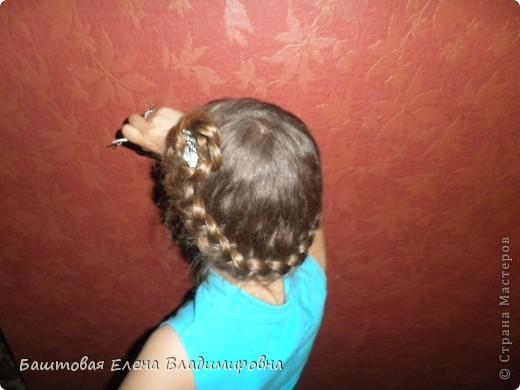 Это моя старшая доця.На выпускной в 4-ом классе я делала ей такую причёску. фото 8