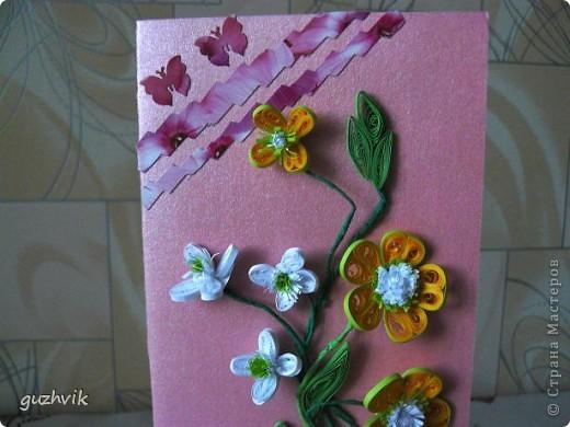 Добрый вечер Всем из Одессы!!! К Вам с порцией хорошего настроения. Это мои открыточки. Очень долго крутила цветочки, мостила их, думала сделать букет. Но увы!!! Не получился, но получились открыточки. Все цветочки на проволочках - посмотрите как интересно они смотрятся! фото 3