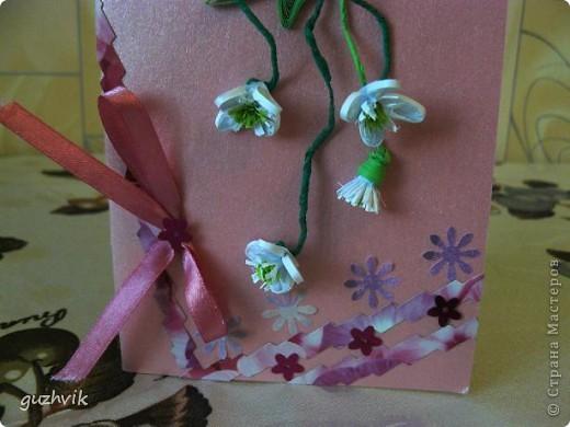 Добрый вечер Всем из Одессы!!! К Вам с порцией хорошего настроения. Это мои открыточки. Очень долго крутила цветочки, мостила их, думала сделать букет. Но увы!!! Не получился, но получились открыточки. Все цветочки на проволочках - посмотрите как интересно они смотрятся! фото 5