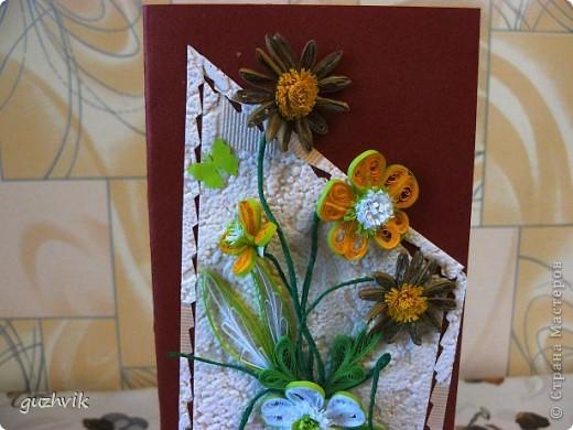 Добрый вечер Всем из Одессы!!! К Вам с порцией хорошего настроения. Это мои открыточки. Очень долго крутила цветочки, мостила их, думала сделать букет. Но увы!!! Не получился, но получились открыточки. Все цветочки на проволочках - посмотрите как интересно они смотрятся! фото 7