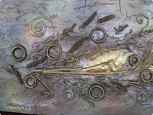 Основа - лист полистирола (утеплителя). Размеры панно 110 Х 60 Х 4 см. Использовалась шпатлевка, а не гипс. фото 3