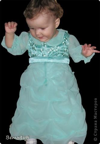 Нарядное платье на первый день рождения.  Кружево, атлас, шифон, нижняя юбка - фатин. фото 4