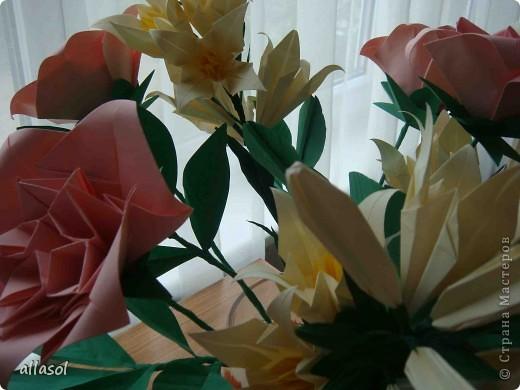 Подготовка к выставке цветов продолжается. Каскадный букет фото 13