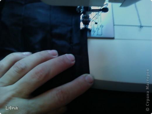 Я даже не знаю будет ли нужен этот мой МК, но скоро осень, а значит нам потребуется куртка... И не всегда она нам походит по размеру, а бывает что просто порвалась по боковому шву или рукаву. Ну чего проще зашить или ушить?   фото 7