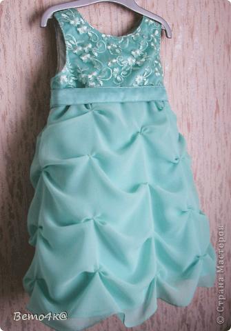 Нарядное платье на первый день рождения.  Кружево, атлас, шифон, нижняя юбка - фатин. фото 1