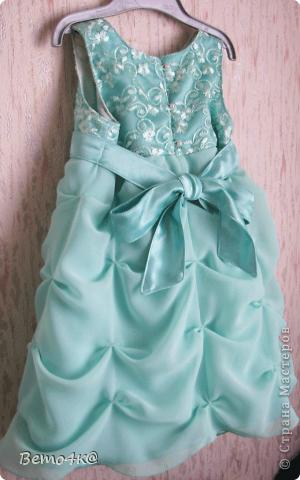 Нарядное платье на первый день рождения.  Кружево, атлас, шифон, нижняя юбка - фатин. фото 2
